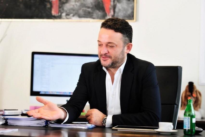 АФЕРА.БГ: Орце Камчев е на јахта во Варна