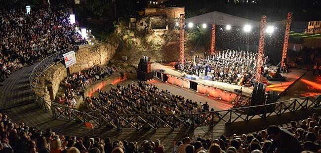 """Згасна фестивалскиот оган на Античкиот театар, спуштена завесата на """"Охридско лето"""""""