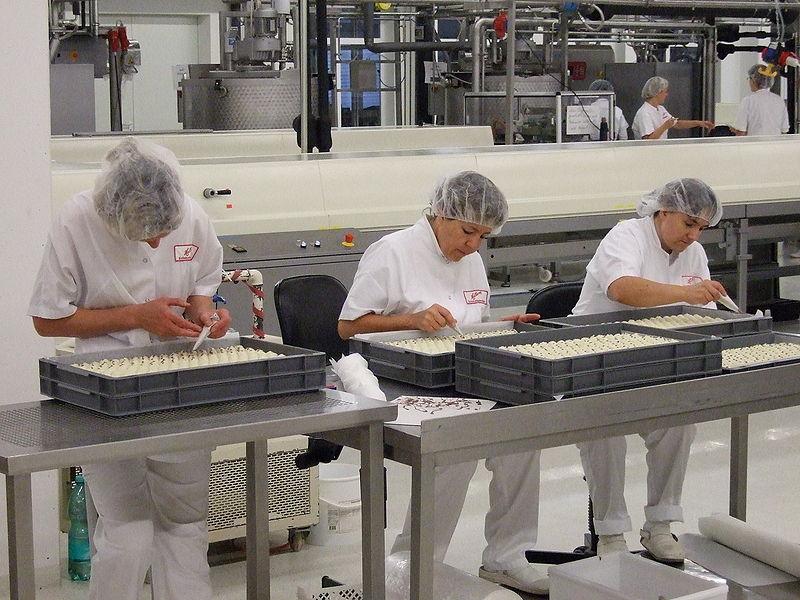 Во преработувачката индустрија економската состојба е понеповолна во јули