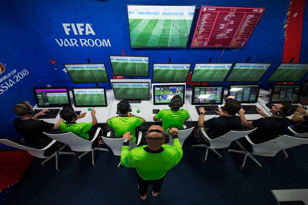 Револуција на ФИФА, планира да ги укине линиските судии
