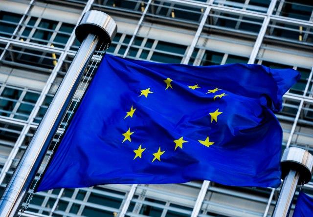 Министрите за надворешни работи на ЕУ не постигнаа договор за почеток на преговорите со Македонија