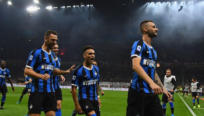"""Интер е """"газда"""" во Милано, Буфон се израмни со Малдини!"""