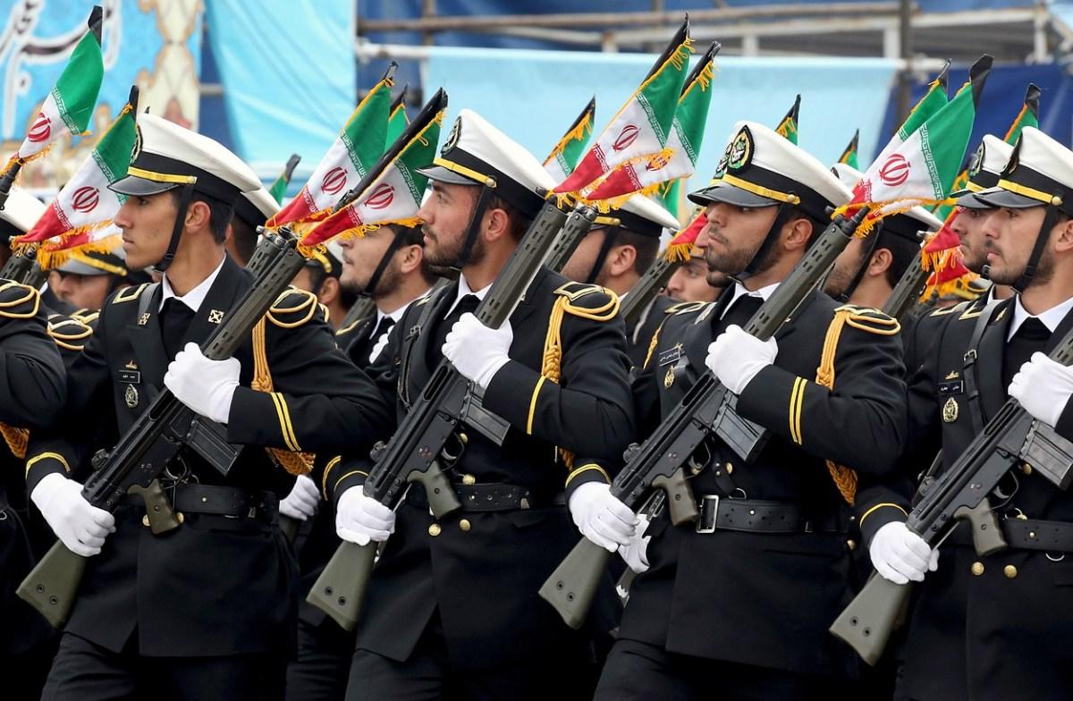 Тензиите во Персискиот Залив не стивнуваат, Иран ќе парадира