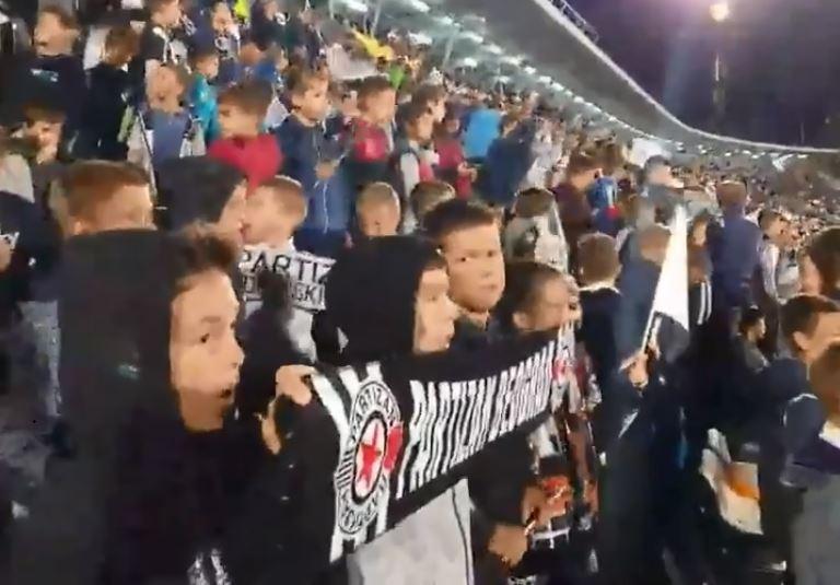 Прекрасна глетка на стадионот на Партизан: 22.000 дечиња на трибините