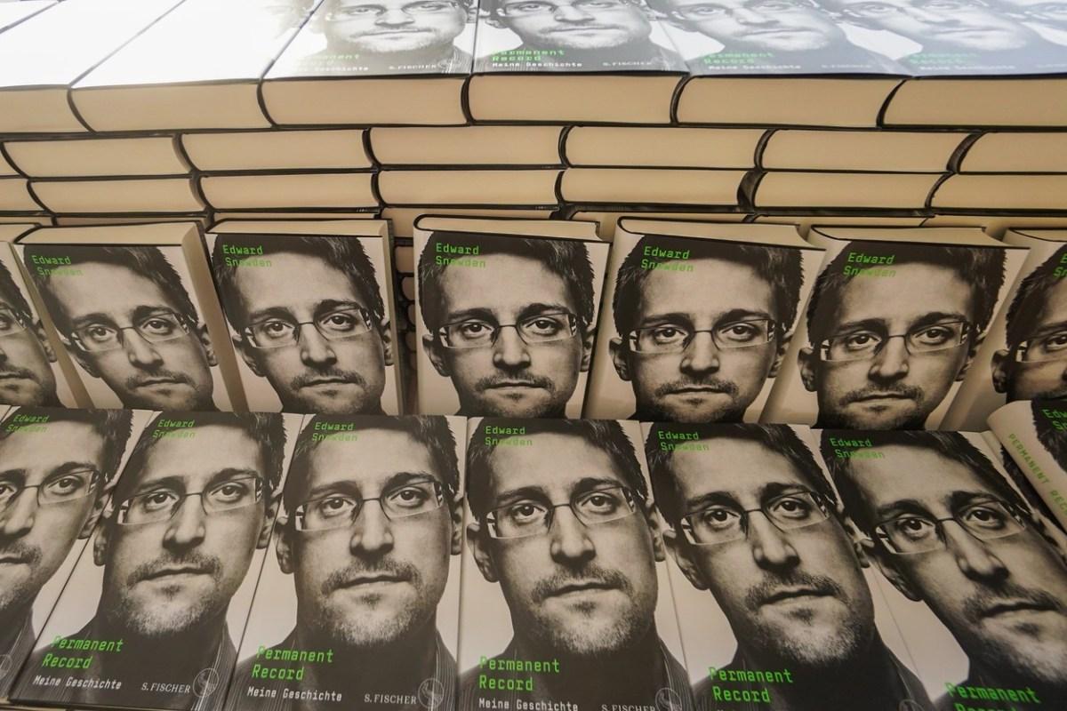 Новата книга на Сноуден трн во око на американските служби