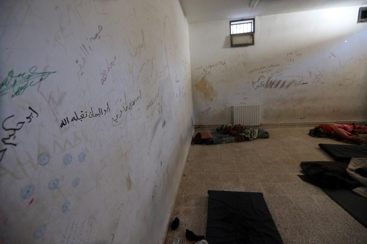 Импровизираните затвори за борците од Исламска држава пред колапс