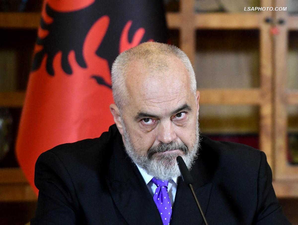 Одбивањето на Албанија преку гестикулациите на Рама