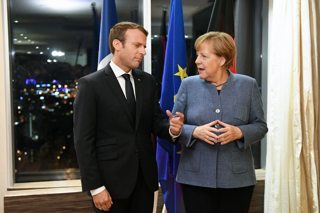 Макрон ја пречека Меркел во елисејската палата, ќе одлучуваат за иднината на Македонија