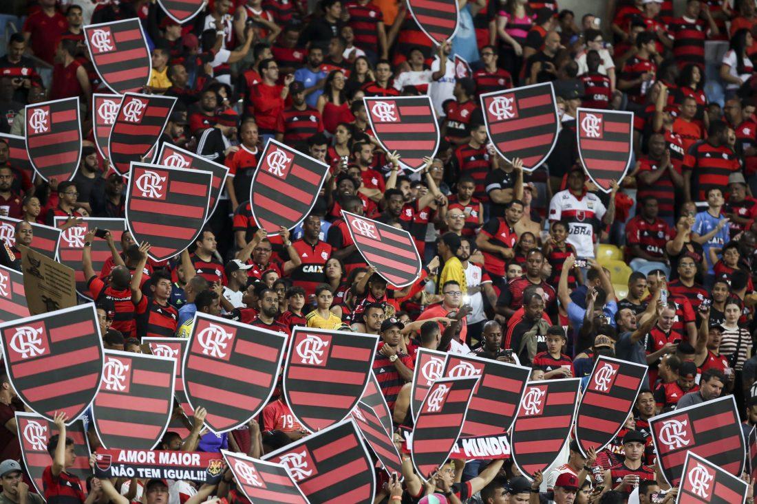 Фановите на Фламенго со невидена фешта ги испратија фудбалерите на финалето на Копа Либертадорес