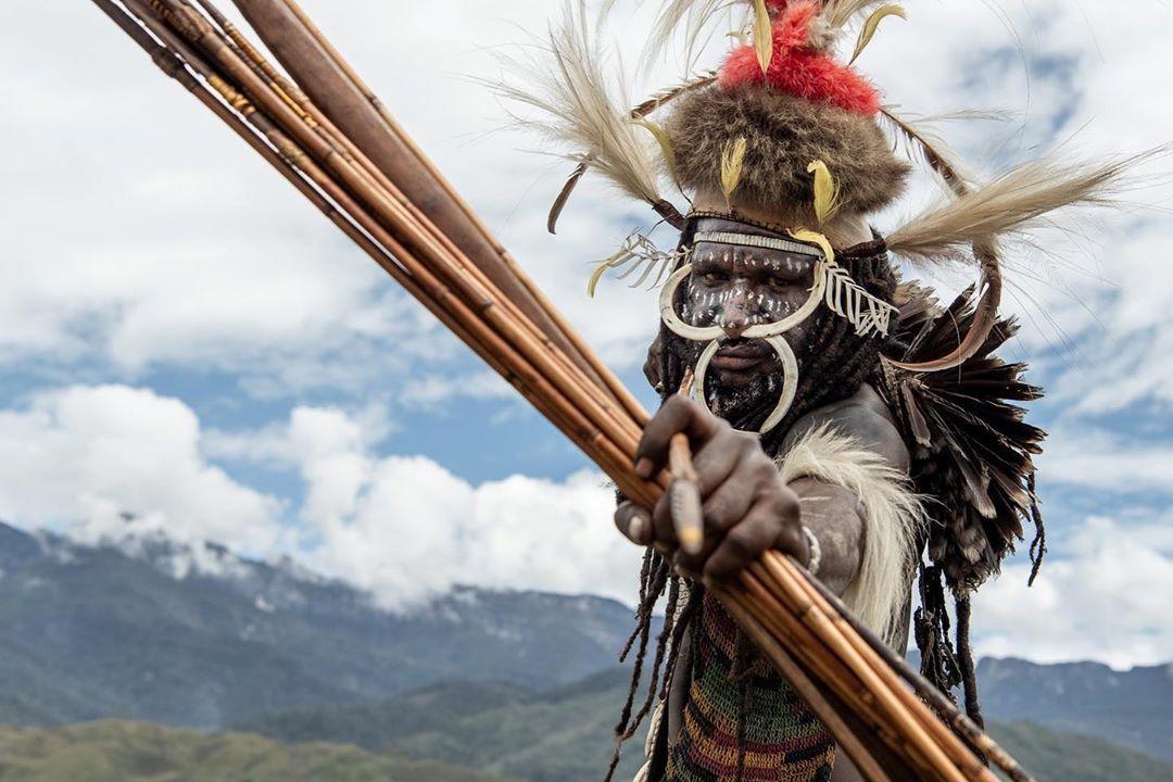 """Вознемирувачката приказна за изолирано племе на канибали кое """"јадеше"""" од семејното дрво на Рокфелер"""