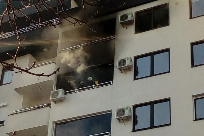 ИЗГАСНАТ ПОЖАРОТ НА РУЗВЕЛТОВА: Си го запалиле станот додека готвеле