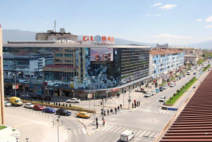 Повозрасна жена е повредена во центарот на Струмица