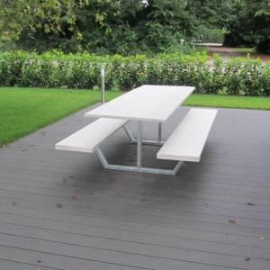 Picknick tafel met white wash houten blad en stalen onderstel