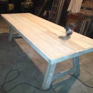 Tafel van steigerhout met A-onderstel