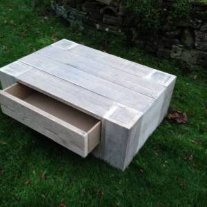 salontafel van steigerhout met grote lade