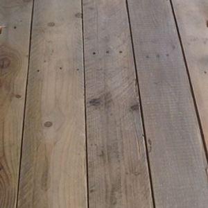 1.4 Sloophout breed geschuurd en gelakt korte lengtes per m2
