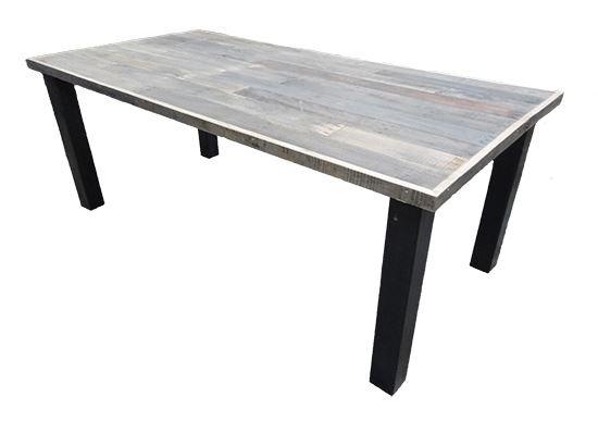 Tafel Stalen Poten : Grote eikenhouten tafel met schuine randen leven in stijl