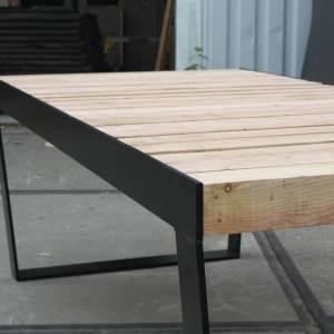 Douglas balken tafel met design frame