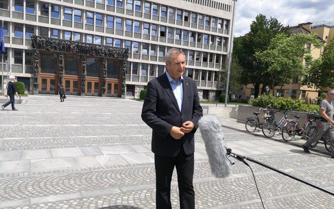 Židan odstopil, vajeti SD prevzema radikalna Tanja Fajon