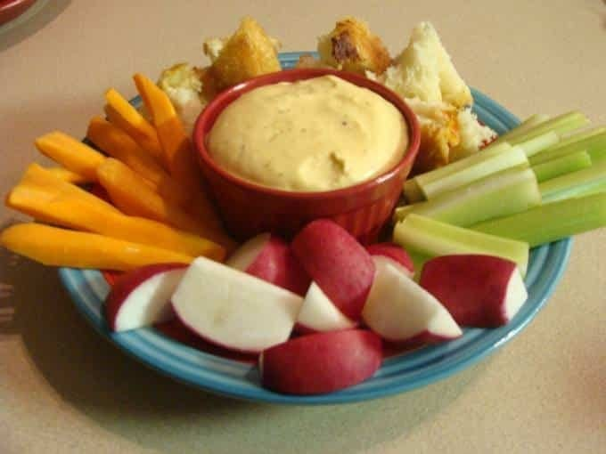Hot Artichoke Dip Recipe. Find this & more deliciousness @ http://www.slowcookerkitchen.com
