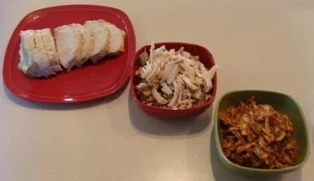 Easy Crockpot Pulled Pork. Find this & more @ http://www.slowcookerkitchen.com