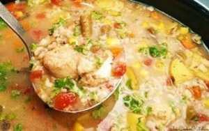 https://www.slowcookerkitchen.com/crock-pot-chicken-and-rice-soup/