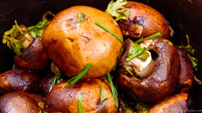 Find these tasty crockpot mushrooms and a lot more like it @ http://www.slowcookerkitchen.com