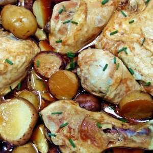 honey garlic crockpot chicken and potatoes