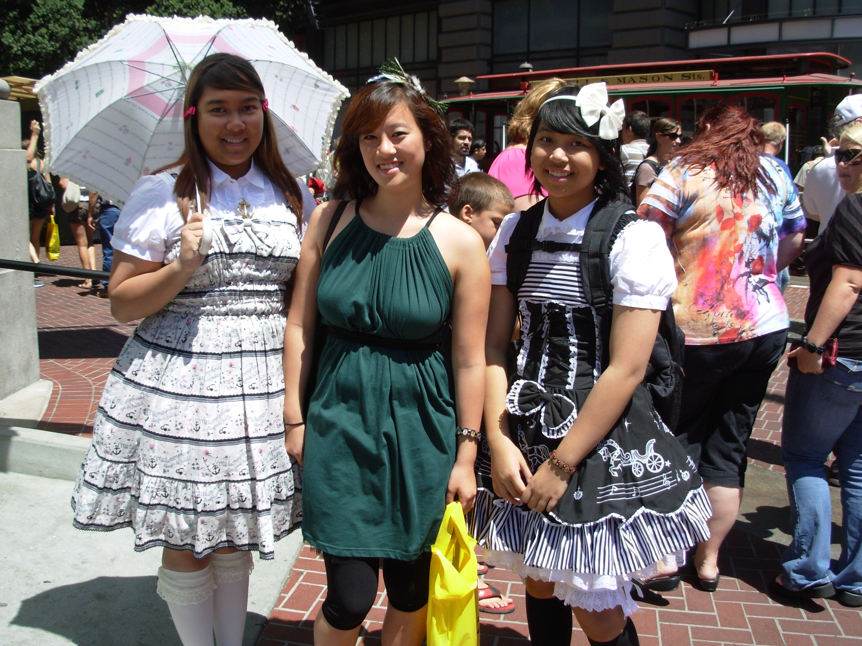 Harajuku Girls Spotted in San Francisco: Shopping in Union