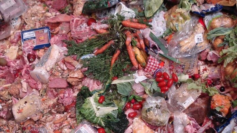 Devastating food waste