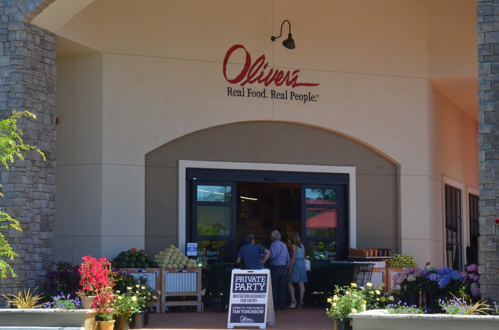 I was curious to see what it looked like, and how it might differ from Oliver's in Cotati
