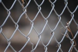 fence-780138_640