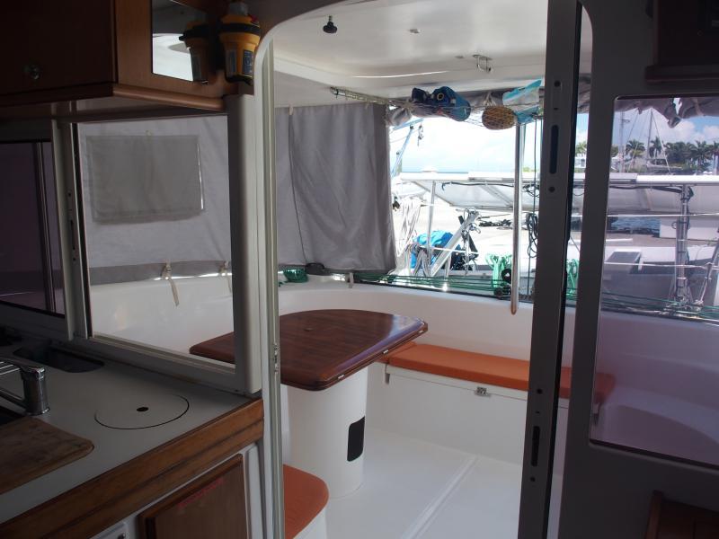 Nautitech 40.2 Cockpit vu du carré