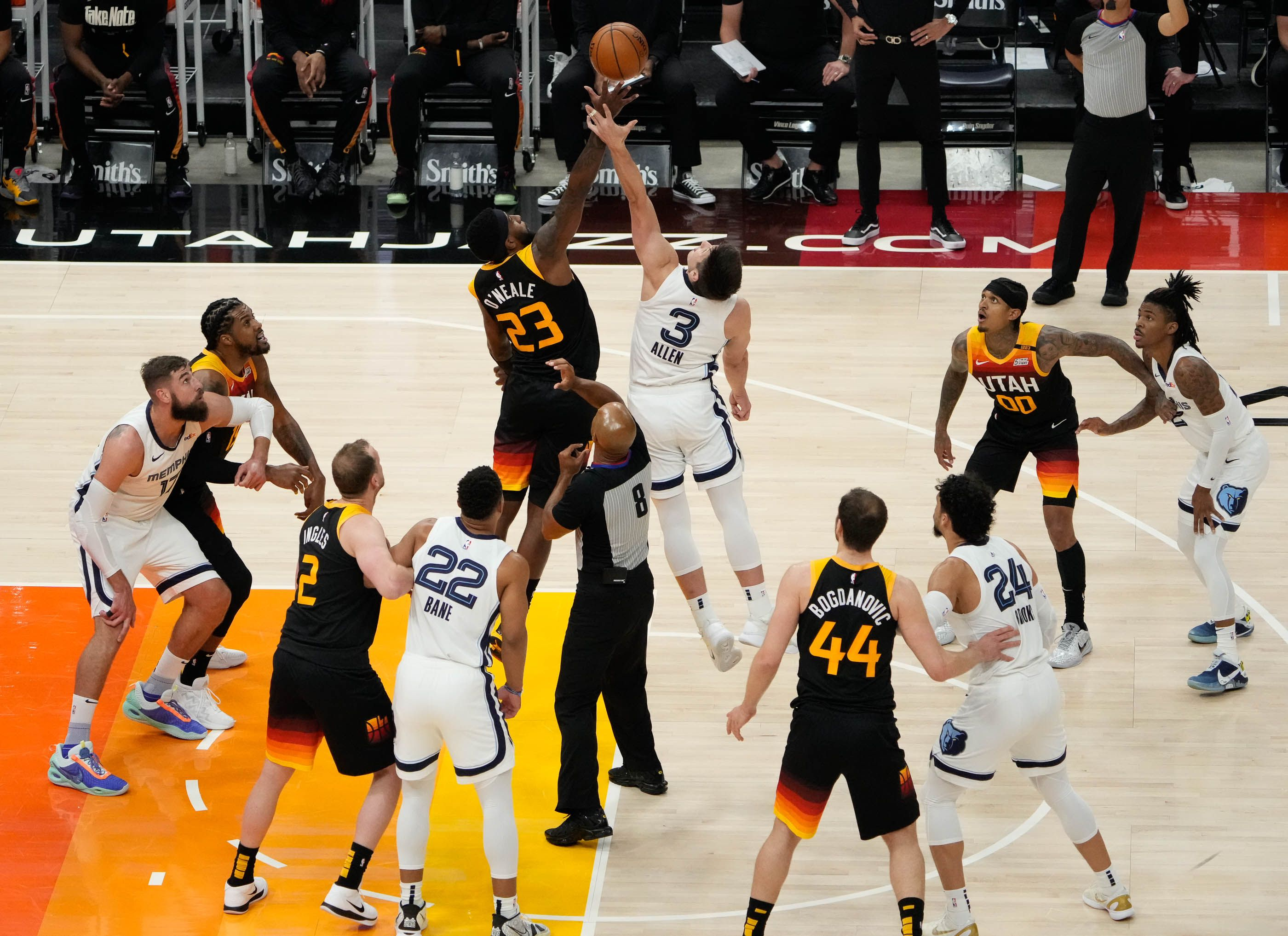 (Francisco Kjolseth | The Salt Lake Tribune) Utah Jazz forward Royce O'Neale (23) goes up for a jump ball against Memphis Grizzlies guard Grayson Allen (3) in the first half of Game 5 of an NBA basketball first-round playoff series Wednesday, June 2, 2021, in Salt Lake City, UT.