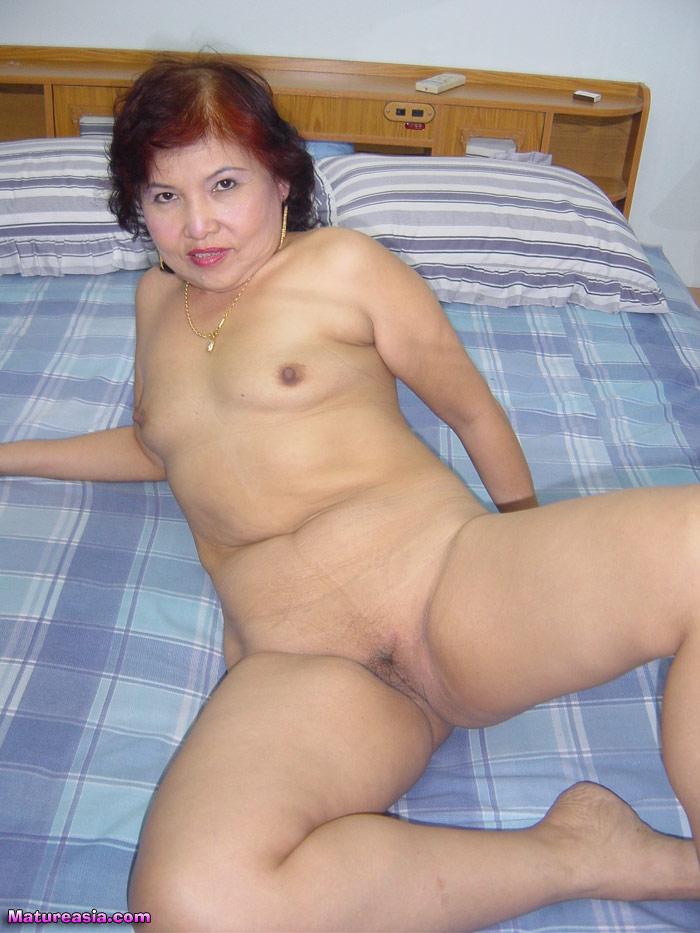 Sexy naked old grannies