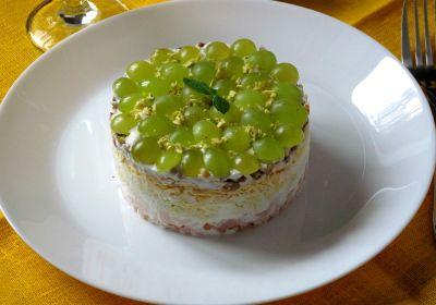 Салат із виноградом
