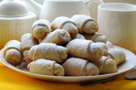 Рогалики з пісочно-дріжджового тіста