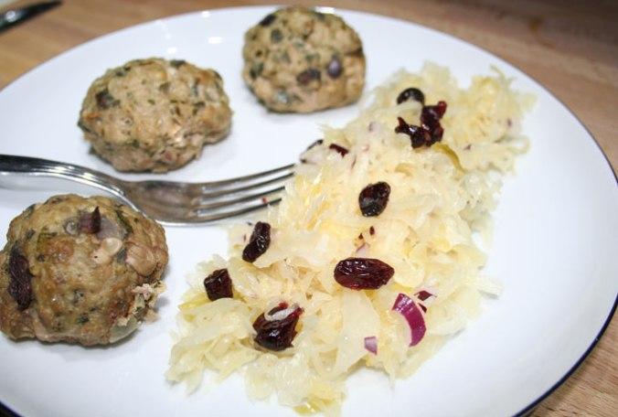 obiad z surówka z kapusty