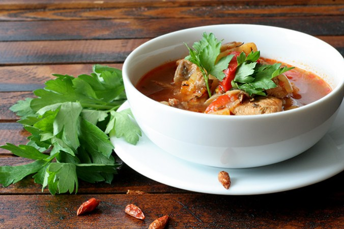 gulaszowa-zupa-ostra