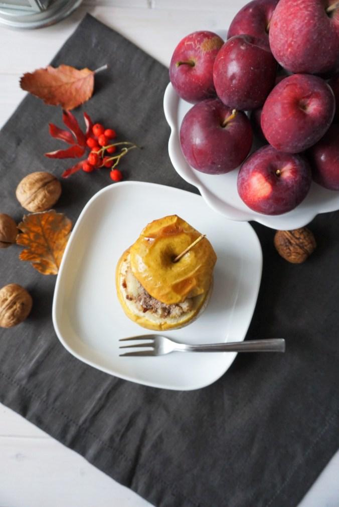 jablka-pieczone-orzech