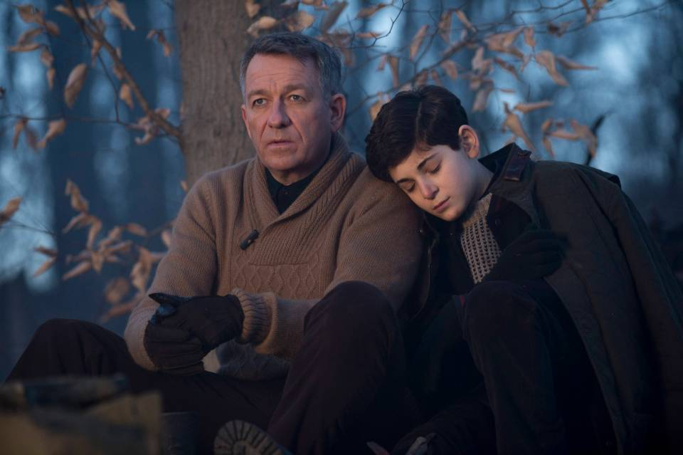 """GOTHAM: Bruce Wayne (David Mazouz, R) is comforted by Alfred (Sean Pertwee, L) after a treacherous hike in the """"The Scarecrow"""" episode of GOTHAM airing Monday, Feb. 9 (8:00-9:00 PM ET/PT) on FOX. ©2015 Fox Broadcasting Co. Cr: Jessica Miglio/FOX"""