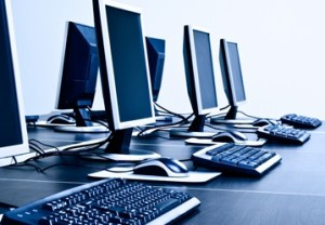 4 Tips for Staying Safe on a Public Computer