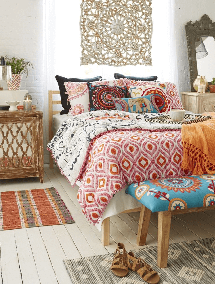 12 Bohemian Bedroom Ideas for Small Rooms | Small House Tips on Modern Bohemian Bedroom Decor  id=96123