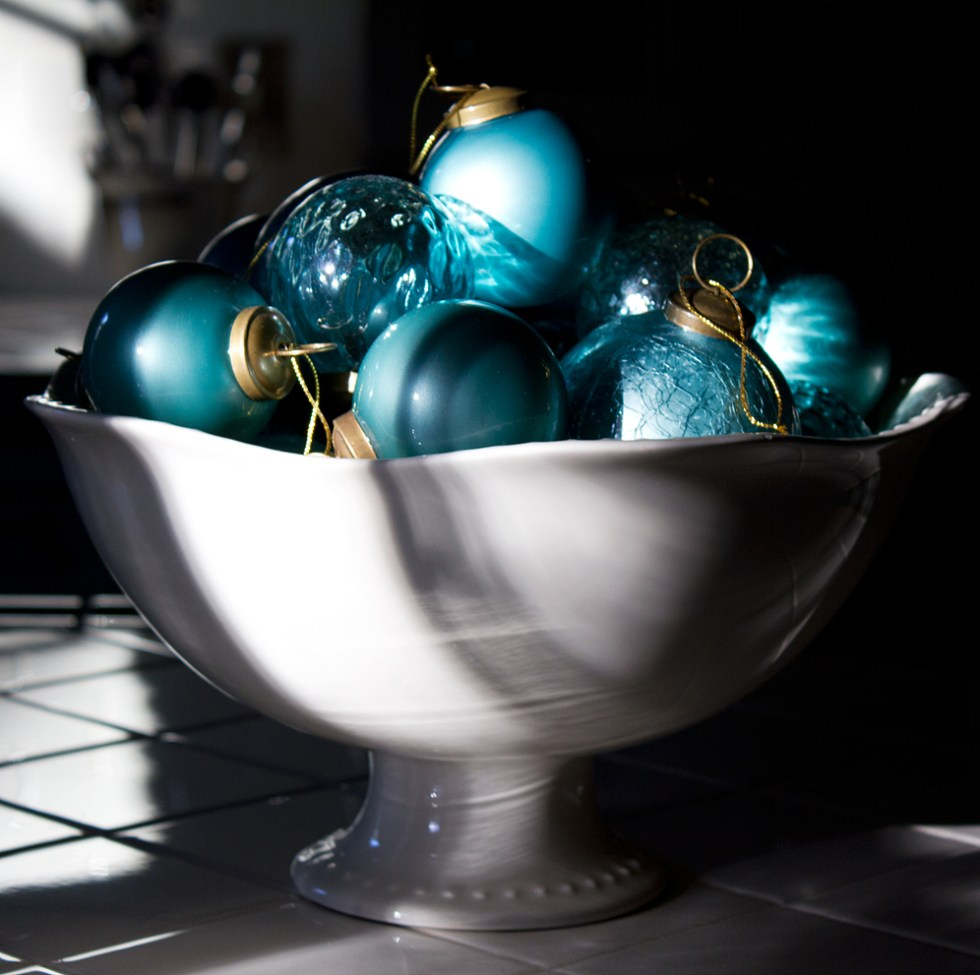 This bowl of jolly lights up with the sun's longest reach at four in the afternoon. Perhaps at that time, it's evening for most of you, and Christmas Eve has quietly begun.