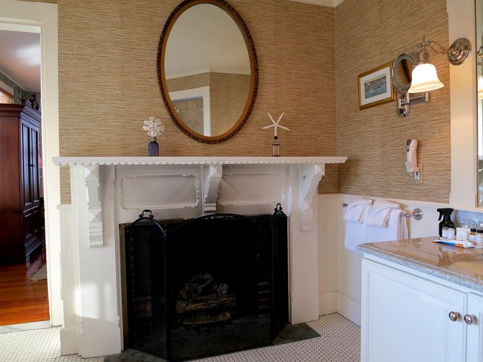 (above) The fireplace is another clue to this room having been originally a dressing room.
