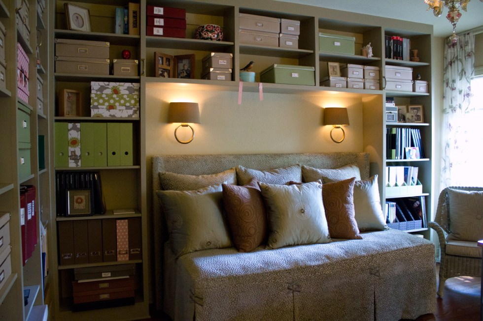 (above) The built-in shelving was designed to include an alcove for a daybed.