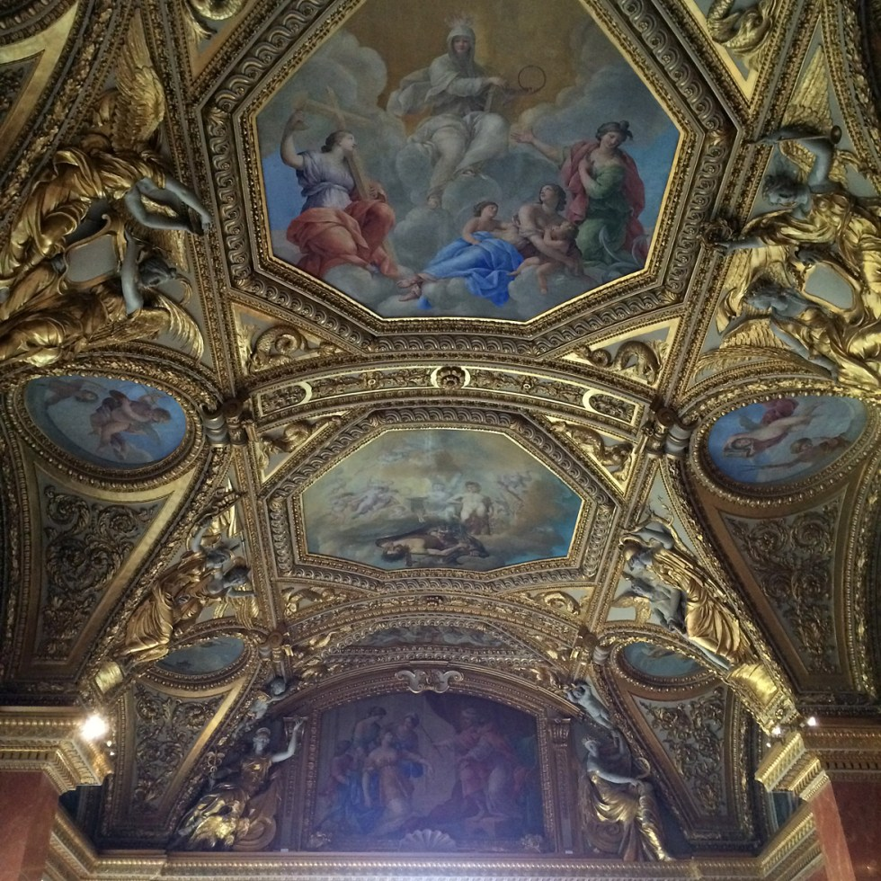 (above) The final room of Anne of Austria's Summer Apartments was originally two rooms, the Queen's Bedchamber and the Petit Cabinet (small study). They were combined into a single space in 1800. The subjects chosen for the Queen's Bedchamber were great women of history. Giovanni Francesco Romanelli was the designer and painter, while Michel Anguier created the sculptural decoration. These two were also the artists for the previous four rooms.