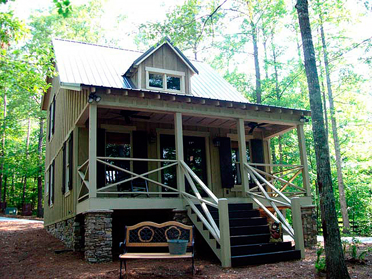 This exterior design from Max House Plans is ideal for my country retreat.