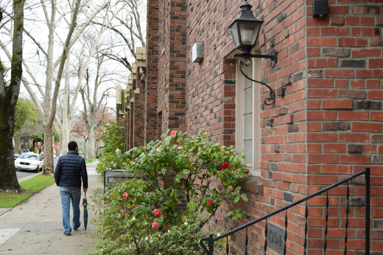 sacramento neighborhoods travel