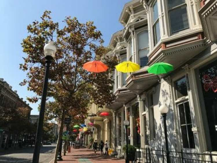 places to eat in oakland